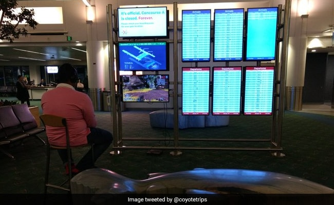 Man Takes Over Airport Monitor To Play Video Game. Then...