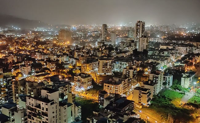 'I Can Get A Haircut At 2 am': Twitter Welcomes Mumbai 24x7 Move