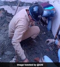 दिल्ली के भजनपुरा में कोचिंग सेंटर की छत गिरी, चार बच्चों और एक शिक्षक की मौत