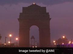 Weather Report: उत्तर भारत के कई शहरों में बारिश और पहाड़ों पर बर्फबारी ने बदला मौसम का मिजाज