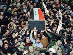 "Iraqis Chant ""Death To America"" At Iran General's Funeral March"