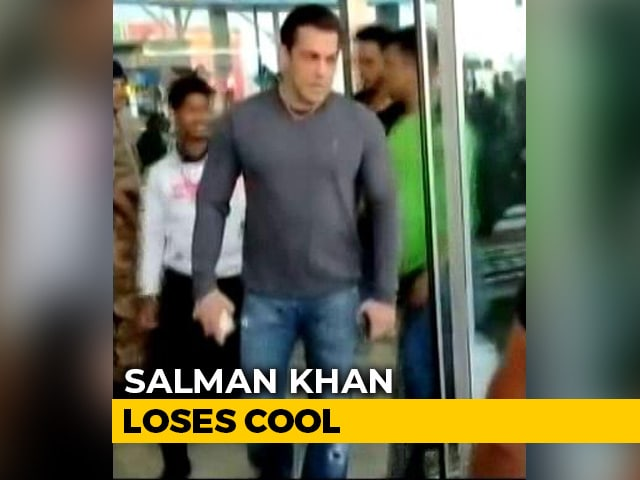Video : Viral: Salman Snatches Phone From Fan Trying To Take Unauthorized Selfie