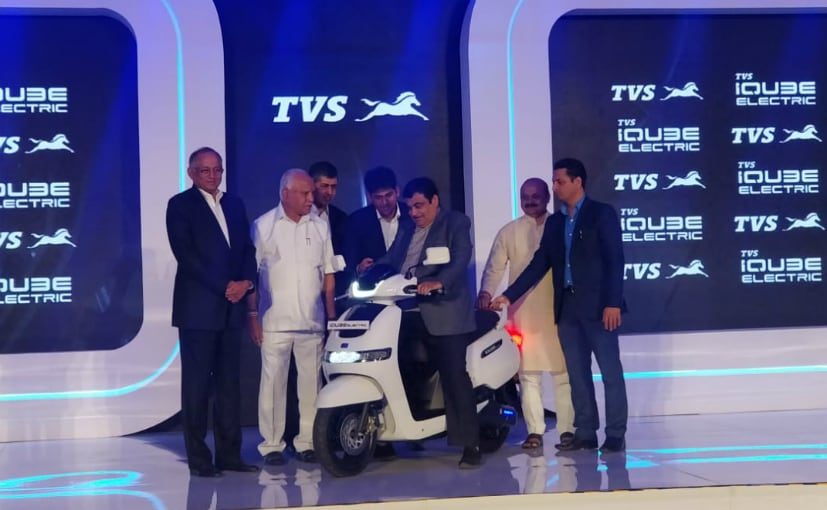 See here is the top management of TVS along with N Gadkari, Union Minister & BS Yedurappa, CM, Karnataka