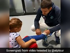 Watch: Roger Federer, Novak Djokovic's Adorable Gesture For Young Girl With Cast On Leg