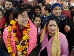 आतिशी ने कालकाजी मंदिर से की अपने चुनाव प्रचार की शुरुआत