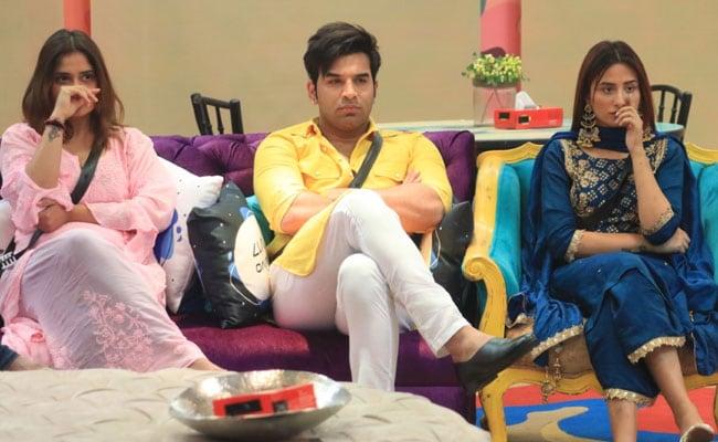 Bigg Boss 13 Written Update January 27, 2020: Paras, Mahira And Aarti Get Upset Over Rashami, Asim And Vishal's Nomination Plans