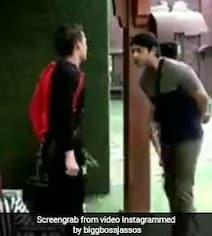 Video: बिग बॉस 13 में फिर छिड़ी जंग, आसिम रियाज ने सिद्धार्थ को मारा धक्का तो एक्टर ने खोया आपा