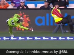 "Alex Ross Misses ""Catch Of Millennium"", Alex Hales Pulls One Off In Big Bash League. Watch"