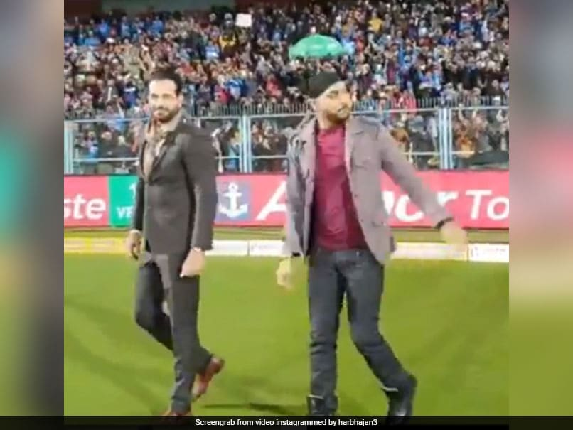 India vs Sri Lanka: Harbhajan Singh, Irfan Pathan Entertain Guwahati Crowd. Watch