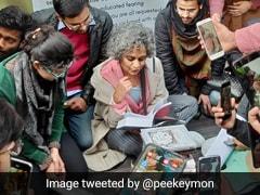 Arundhati Roy Visits Jamia Milia Islamia, Donates Books To Student-Run Open Library