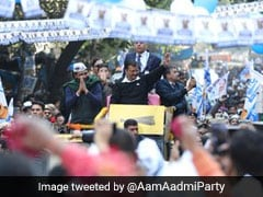 Arvind Kejriwal Holds Roadshow In Karol Bagh For Delhi Polls