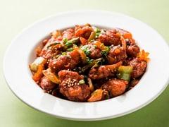 घर पर इस तरह बनाएं रेस्टोरेंट स्टाइल ड्राई चिली चिकन (Recipe Inside)