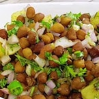 Add This Quick and Easy Kala Chana Chaat To Your Daily Diet