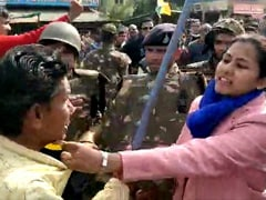 Slaps, Hair Pulling. In Madhya Pradesh, Officials vs Pro-CAA Protesters