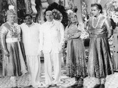 A Rare 'Mughal-E-Azam' Pic Of Prithviraj Kapoor, Dilip Kumar, Madhubala