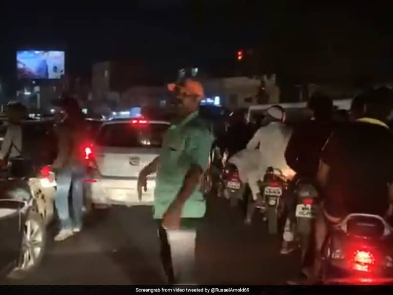 """""""Nowhere To Go"""": Former Sri Lanka Cricketer, Stuck In Pune Traffic, Tweets Video"""