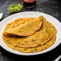 Watch: How To Make Quick And Easy Moong Dal Cheela For Breakfast