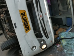 7 Students, 1 Teacher Injured In Collision Between School Bus And Cluster Bus In Delhi