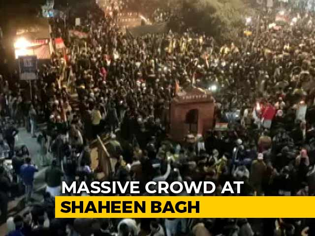 Video : Massive Crowd, Multi-Faith Prayer At CAA Protest In Delhi's Shaheen Bagh