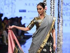 Tabu In A Black And Gold <i>Lehenga</i> Left Us Mesmerised On The Runway At Lakme Fashion Week