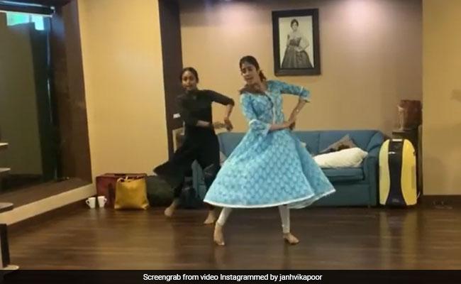 Janhvi Kapoor Dancing To Piya Tose Naina Laage Re Is A Sheer Delight