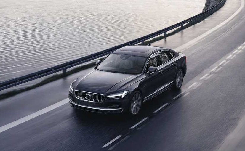 Updated Volvo S90 and V90 range gets a 48-Volt mild-hybrid powertrain as an option with every variant