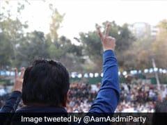 Delhi Elections में अपनी जीत का सोशल मीडिया पर भी जमकर जश्न मना रही है AAP, शेयर किए ये मजेदार मीम्स