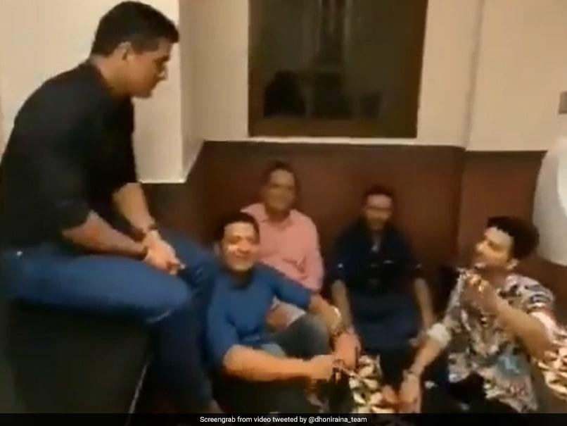 MS Dhoni listening song 'Mere Mehboob Qayamat Hogi' in bathroom, Watch VIDEO