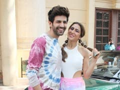 Sara Ali Khan, Kartik Aaryan Maintain A 'Lie' About Their First Meeting To Keep Ranveer Singh Happy