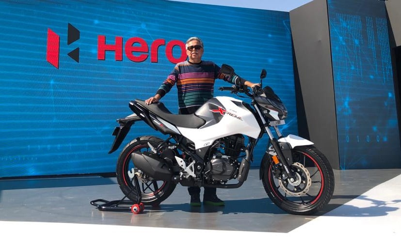 Pawan Munjal Chairman, Hero MotoCorp with the newly unveiled Hero Xtreme 160R naked bike