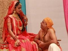 नाट्य समीक्षा : भारत रंग महोत्सव में आज के हालात का स्वाद देने वाले 'सुदामा के चावल'
