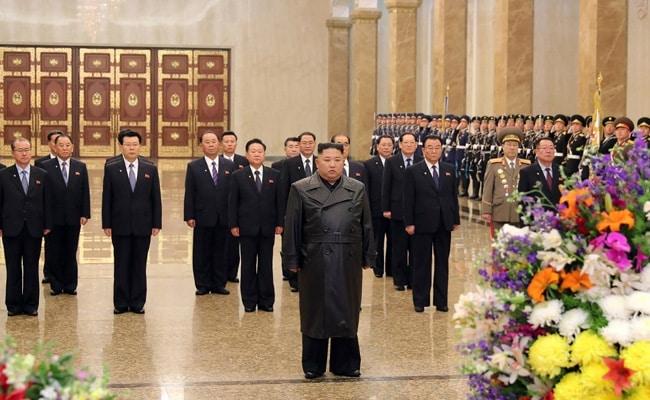 Kim Jong Un Makes First Public Appearance In Weeks Amid Coronavirus Outbreak