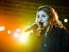How Singer Dhvani Bhanushali Lit Up A College Fest