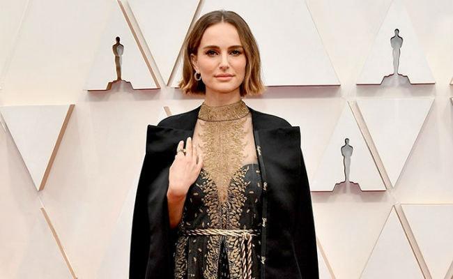 Oscars 2020: Natalie Portman's Cape Deserves Its Own Award