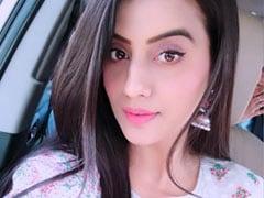 भोजपुरी एक्ट्रेस अक्षरा सिंह को आया गुस्सा, बोलीं- बिना फिल्म देखे भोजपुरी पर अश्लीलता का आरोप लगाना...