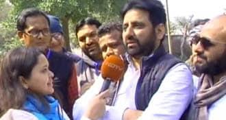 दिल्ली पुलिस ने AAP MLA अमानतुल्ला खान को भेजा समन, भड़काऊ बयान देने का है आरोप