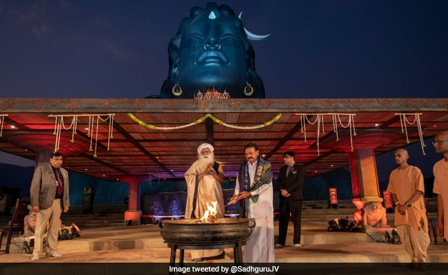 Maha Shivratri 2020 Venkaiah Naidu Attends Celebrations At Sadhguru S Isha Yoga Centre