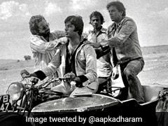 धर्मेंद्र को याद आई 'जय और वीरू' की जोड़ी, अमिताभ बच्चन के साथ फोटो शेयर कर बोले- यादें सुनातीं...