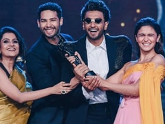 Filmfare Awards: When Alia, Ranveer Celebrated Their Win Gully Boy-Style
