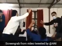 Coronavirus से जूझ रहे चीन से वापस लौटे भारतीय, हरियाणवी गाने पर जमकर लगाए ठुमके, देखें Viral Video