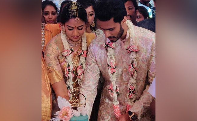 HD Kumaraswamy's Son Nikhil Engaged To Congress Leader's Grand-Niece
