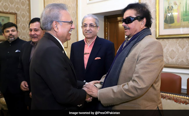 Congress' Shatrughan Sinha, In Lahore For A Wedding, Meets Pak President