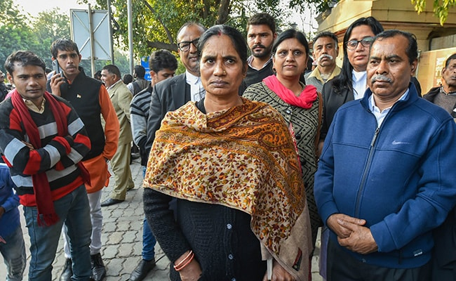 Court Defers Hearing Of Nirbhaya's Parents' Plea For Fresh Death Warrants Against Convicts