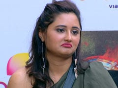 <I>Bigg Boss 13</i> Written Update February 4, 2020: Rashami Desai Says There's 'No Future' With Arhaan Khan During Media Interaction