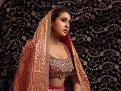Sara Tried To Recreate Her Mom Amrita Singh's Pose. So, How Did She Do?