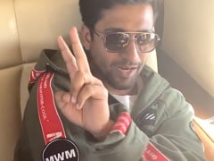 Filmfare Awards 2020: Vicky Kaushal's ROFL Reaction In Karan Johar's 'Toodles' Video Steals The Show