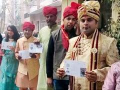 Delhi Election 2020: বিয়ের আগে ভোটের লাইনে বর, সঙ্গে বরযাত্রীরাও