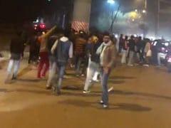 CAA Protest: चार दिन में तीसरी बार चली गोली, जामिया यूनिवर्सिटी के गेट नंबर 5 के पास हुई फायरिंग