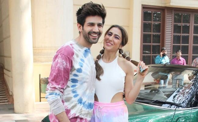 Sara Ali Khan, Kartik Aaryan Maintain A 'Lie' About Their First Meeting To Keep Ranveer Singh Happy