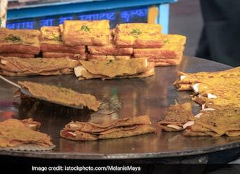 Indore Street Food Joints Get FSSAI's 'Clean Street Food Hub' Tag